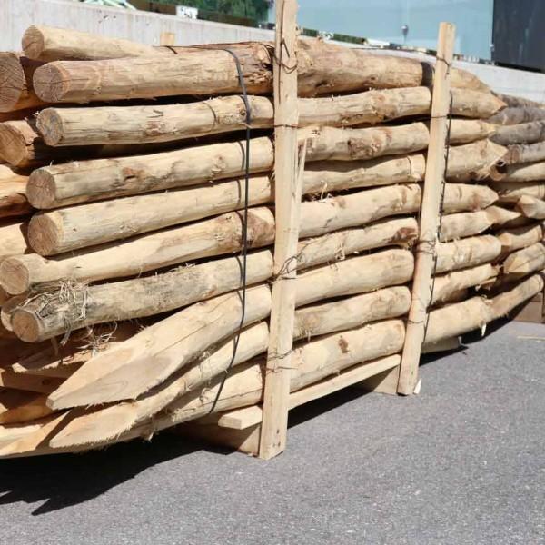 Acacia posts round, pointed 250cm/ Ø8-10cm